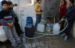 رغم ارتفاع أسعار النفط.. الماء أغلى من البنزين في هذا البلد