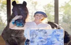 الحصان الفنان.. أمريكية تبيع لوحاته بأكثر من 230 إسترلينيا