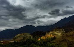 """""""الأرصاد"""" تنبه عسير: أمطار وضباب وتدنٍ في مدى الرؤية الأفقية"""
