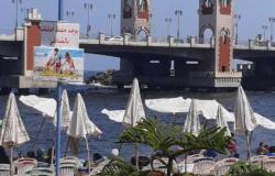«الراية خضراء» بشواطئ الإسكندرية بعد تحسن حالة الطقس.. ونسبة الإشغال تصل لـ 50%