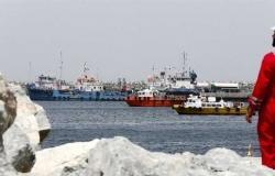 بريطانيا تحذر من حادثة ليس لها علاقة بالقرصنة أمام ساحل الفجيرة بالإمارات
