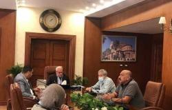 محافظ بورسعيد يتابع أعمال إزالة التعديات بالضواحي وجنوب بورسعيد