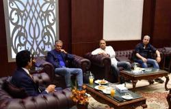 وزير الرياضة يلتقي المدير الفني للمنتخب وجهازه المعاون