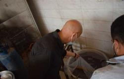 لعدم توافر الاشتراطات الصحية .. غلق مصنع حلويات بمركز منيا القمح (صور)
