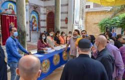 وكيل صحة الشرقية يتابع تطعيمات كورونا في كنيسة ماري مينا بمنيا القمح