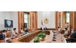 السيسي يستعرض موقف مقر القيادة الاستراتيجية وتصميمات مبنى مسجد مصر بالعاصمة الإدارية