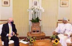 وزير الخارجية العماني يبحث مع المبعوثين الأمريكي والأممي إنهاء الحرب في اليمن