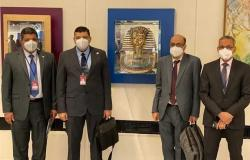 رؤساء الهيئات النووية المصرية يقدمون صورة طبق الأصل من قناع توت عنخ آمون للوكالة الدولية للطاقة الذرية