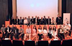 «هندسة القاهرة» تفوز بـ 6 جوائز بمسابقة الطاقة المتجددة وسط منافسة من 20 دولة
