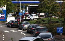 التذمر يتصاعد .. أطباء بريطانيا يطالبون الحكومة بحلّ أزمة الوقود