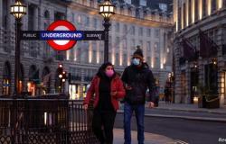 بريطانيا تسجل 44,932 إصابة جديدة بفيروس كورونا