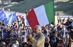 احتجاجات على إلزامية شهادة كورونا في إيطاليا