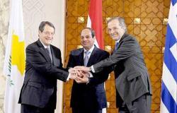 السيسي يتوجه إلى أثينا للمشاركة في فعاليات القمة الثلاثية مع اليونان وقبرص