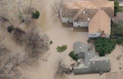 الأرصاد الجوية: عواصف كاليفورنيا قد تتسبب في أمطار تاريخية