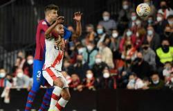 سقوط جديد .. برشلونة يخسر أمام رايو فاليكانو في الدوري الإسباني