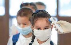استشاري: أعراض إصابة الأطفال بفيروس كورونا لا تستدعي تلقيحهم
