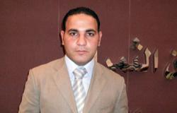 سفير مصر بلندن يضع الزهور على قبر الجندى المجهول لقوات حفظ السلام