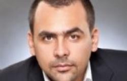 """يوسف الحسيني ينتقد مطالبة """"عارف"""" وزير الثقافة بمباشرة عمله من """"المسجد"""""""