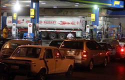 سائقو التوك توك يحاولون اقتحام مجلس مدينة طهطا بسوهاج لنقص البنزين