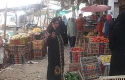 """الباعة الجائلون يحتلون شوارع """"كفر الشيخ"""" بمنتجات مجهولة المصدر"""