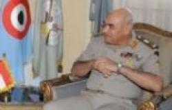 رئيس الأركان يشارك قوات التأمين في السويس الإفطار