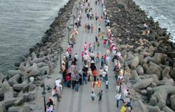 رأس البر تستقبل الآلاف من رواد المصيف فى ثانى أيام العيد