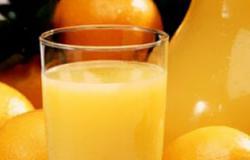 احرص على تناول العصائر الطبيعية مثل التفاح والموز باللبن والجوافة