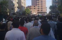 الآلاف يشيعون جنازة  أحد المتوفين فى اشتباكات ميدان الثقافة بسوهاج