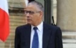 رئيس وزراء ليبيا يدين الاعتداء على مقر وزارة الخارجية في بنغازي