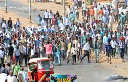 أقارب للرئيس السودانى البشير يقودان مظاهرة ضد الحكومة