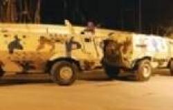 6 مدرعات تحاصر منزلا بالشيخ زويد لأحد المطلوبين جنائيا