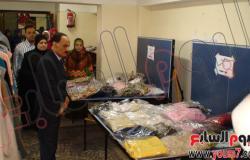 رئيس جامعة أسيوط يفتتح المعرض الخيرى للملابس الجاهزة بكلية التمريض