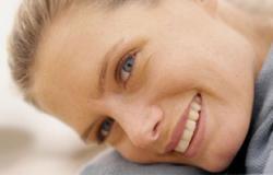 تقنيات حديثة لابتسامة بيضاء دون عناء
