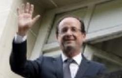 الإليزيه: الرئيس الفرنسي يحضر مراسم تشييع جنازة مانديلا الأحد المقبل