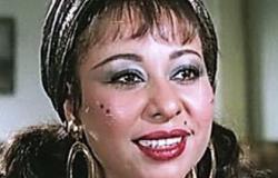 بالفيديو.. الفنانة منى السعيد توبخ شخصا شكر قطر وهدد بتمزيق جواز مصر