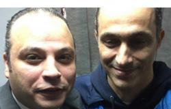 صورة متداولة لأول «سيلفي» لمبارك مع ضابط جيش بعد البراءة