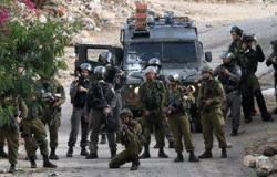عشرات الإصابات فى مواجهات مع قوات الاحتلال .. واعتداءات فى الخليل