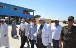 بالصور.. محافظ الإسماعيلية يتفقد مصنع تدوير القمامة بمنطقة أبو بلح