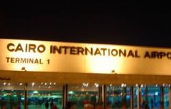 خلال 4 ساعات.. مطار القاهرة يستقبل 3200 سائح لزيارة المعالم الأثرية