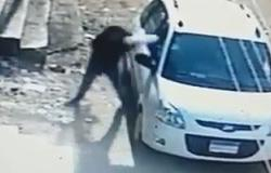 نيابة الوادى الجديد تحبس عامل 4 أيام لسرقته سيارة من موظف تحت تهديد السلاح