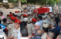 بالصور..جنازة مهيبة لشهيد منيا القمح.. ومحافظ الشرقية لوالدته: ابنك فى الجنة