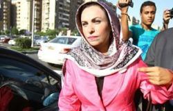 طليقة توفيق عكاشة تواصل الاعتصام أمام مجلس النواب للمطالبة بحبسه