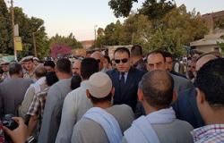 بالصور.. محافظ الفيوم ومدير الأمن يشيعان جثمان رئيس مباحث طامية