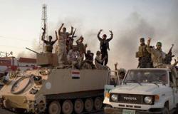 طيران القوة الجوية العراقى يلقى 4 ملايين رسالة موجهة إلى أهالى الموصل