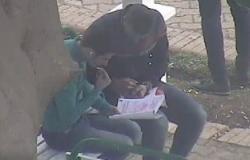 ضبط طالب بكلية الهندسة أثناء قيامه بمساعدة اخر بالغش بجامعة المنصورة